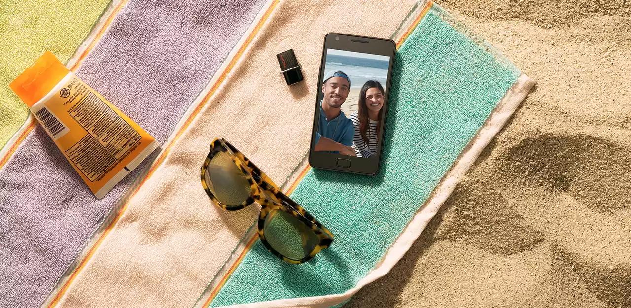 ultra-dual-usb-drive-3-phone-beach-sandisk.jpg.wdthumb.1280.jpg