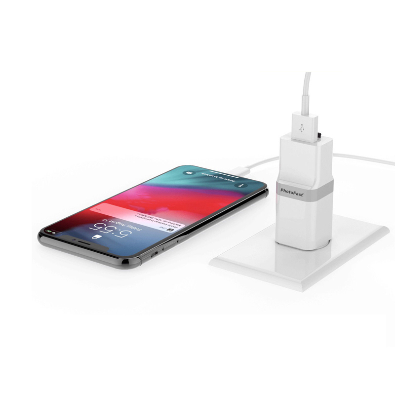 PhotoFast PhotoCube USB3.1 Auto Backup and Charger for iPhone and iPad